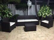 Трехместный диван и 2 кресла