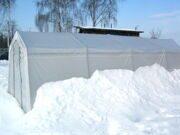 Теплица под снегом