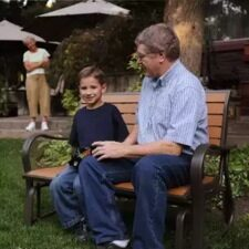 Скамейка для загородного дома