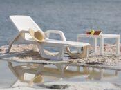Шезлонги для пляжа
