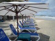 Nardi шезлонги с логотипом на пляже